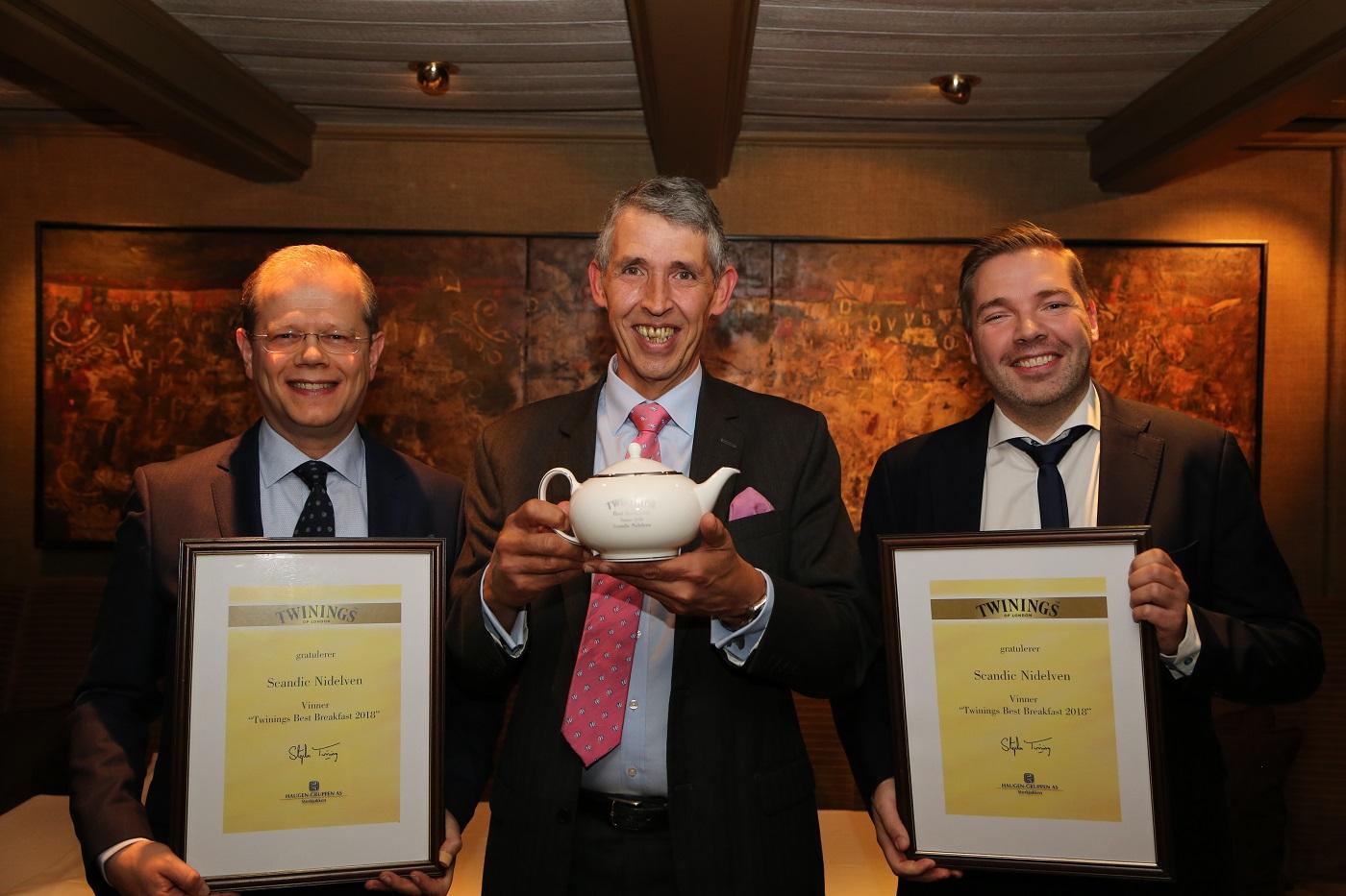 F.v: Hotelldirektør på Scandic Nidelven, Kjetil Vassdal, Stephen Twining og Food & Beverage Manager på Scandic Nidelven, Lasse Waagbø
