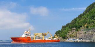 700 kilometer fiberkabel skal legges mellom Rennesøy og Newcastle. I dag startet installasjonen ved Green Mountains datasenter.